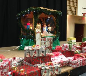 christmas-shoe-boxes-and-nativity